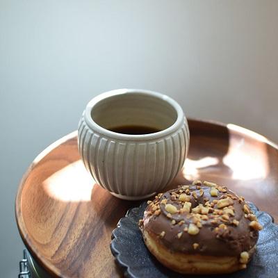 コーヒーとドーナツ、朝の習慣